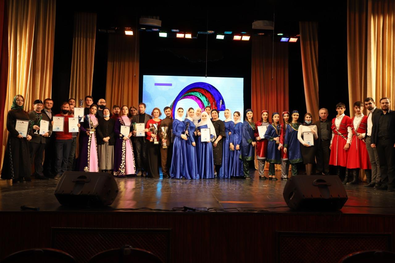 В Грозном прошел фестиваль народного творчества