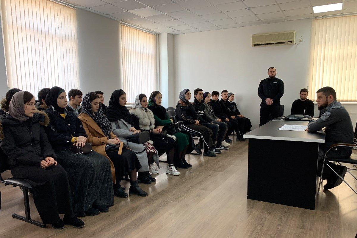 Обучиться искусству фотографирования  ЧГТРК «Грозный» организовал курсы  для детей погибших сотрудников и военнослужащих Росгвардии