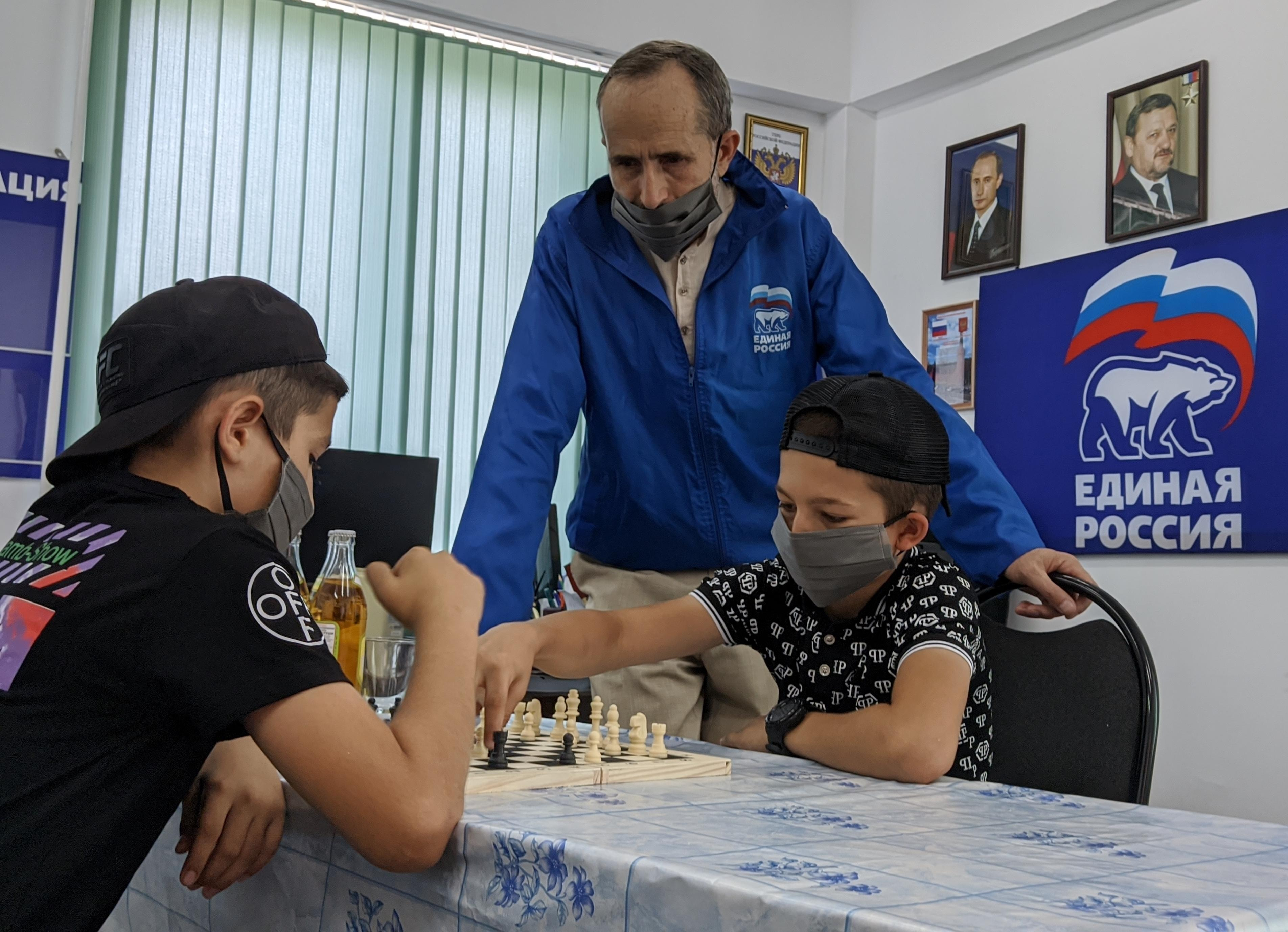Турнир по шахматам среди школьников